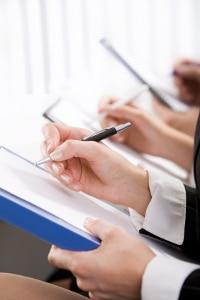 Ein betrieblicher Datenschutzbeauftragter kann die Schulung der Angestellten übernehmen.