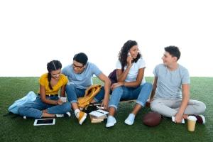 Gilt das Briefgeheimnis auch für unter 18-Jährige oder zwischen Eheleuten?