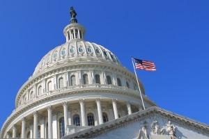 Der CLOUD Act der USA verpflichtet US-Unternehmen, personenbezogene Daten aus dem Ausland herauszugeben.