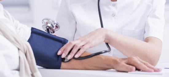 Der Umgang mit sensiblen Gesundheitsinformationen begründet die große Bedeutung vom Datenschutz im Gesundheitswesen.