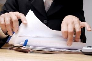 Gemäß Datenschutz gilt: Die Personalakte darf der Vorgesetzte ebenfalls nicht beliebig einsehen.