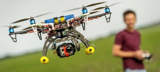 Bei der Drohne greift der Datenschutz, wenn es sich um eine gezielte und wiederholte Beobachtung handelt.