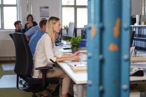 Eine Excel-Datei zu verschlüsseln, ist auch nur auf der Arbeitsmappen- oder Arbeitsblattebene möglich.