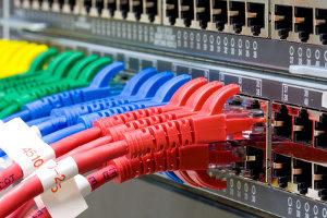 Kabel sind die Schwachstelle der Kryptographie bei elektronischer Datenübertragung.