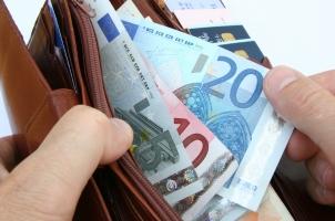 Kann Kryptowährung bei der Bank eingezahlt werden wie Bargeld?