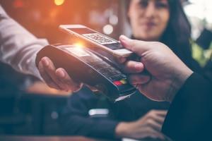 Die luca-App macht sich QR-Codes zunutze, die etwa auch im Zahlungsverkehr schon zum Einsatz kommen.