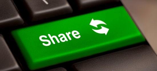 Beim Teilen von Inhalten mit Social-Plugins scheint der Datenschutz hintanzustehen.