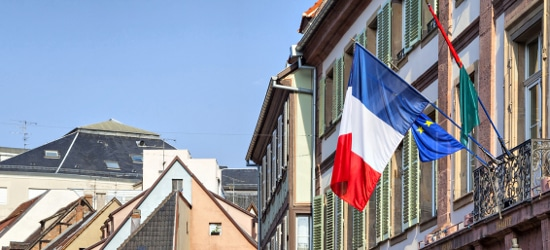 Wann braucht die Website eine Datenschutzerklärung auf Französisch?