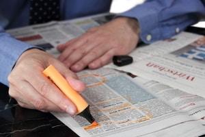 Wie viel darf in einem Zeitungsartikel preisgegeben werden? Datenschutz und Persönlichkeitsrechte sind zu achten.